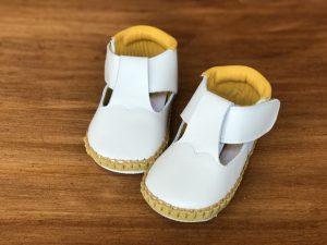 Tストラップ子ども靴 黄色