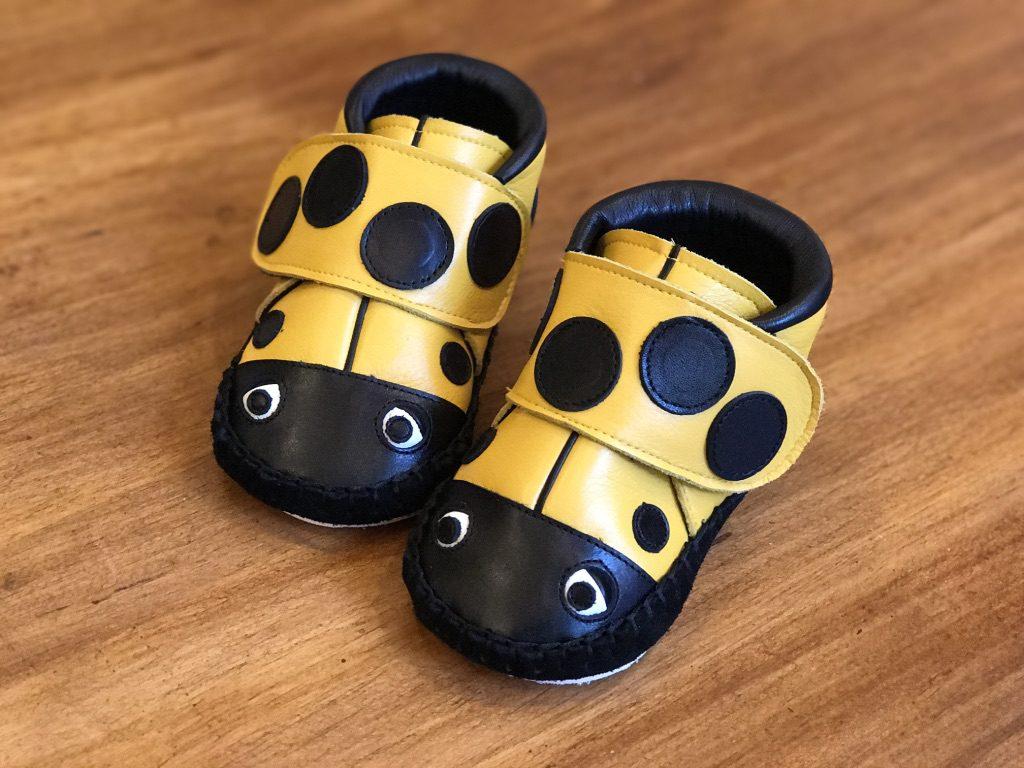 てんとう虫の子ども靴 黄色
