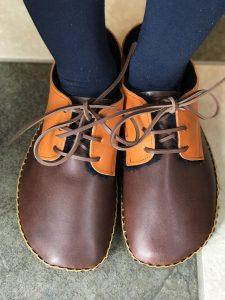 ◆ あたたか手縫いの外履き靴 ◆こげ茶×キャメル