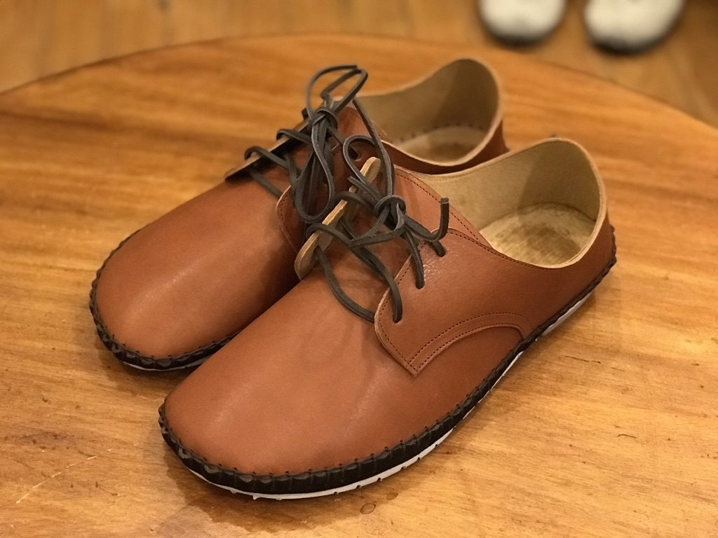 外履きひも靴・くるみ色