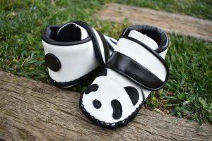 パンダの子ども靴 後ろから