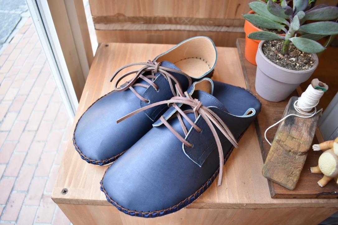 外履きひも靴・ネイビー