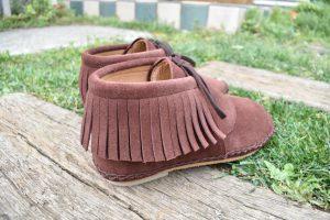 手縫いのフリンジ靴 茶色
