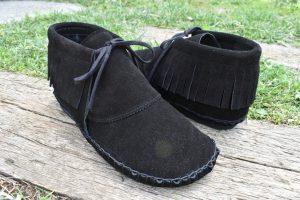 手縫いのフリンジ靴 黒