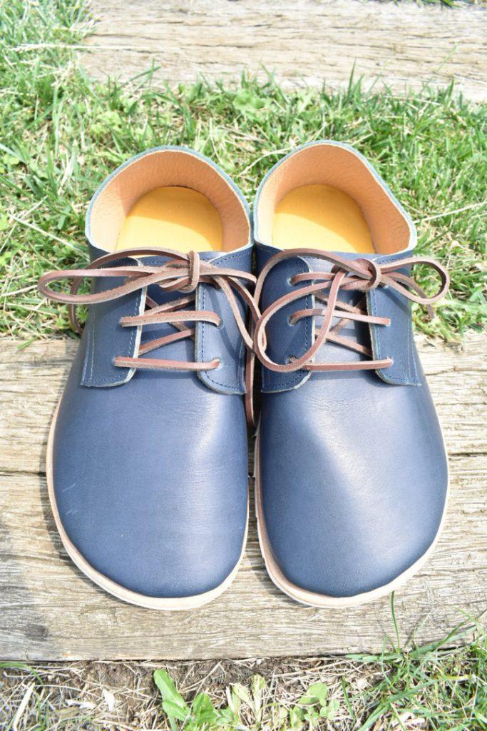 ふくろ縫いの外履き ひも靴