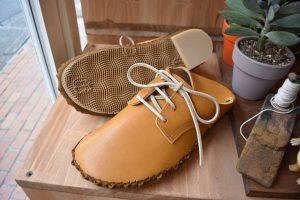 外履きひも靴・キャメル