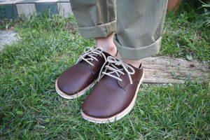 ふくろ縫いのひも靴 こげ茶