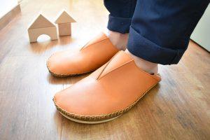 手縫いのさんかく部屋靴