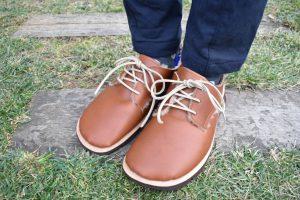 ボアのふくろ縫いひも靴 くるみ色