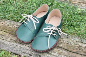 手縫いのヨコひも靴 みどり