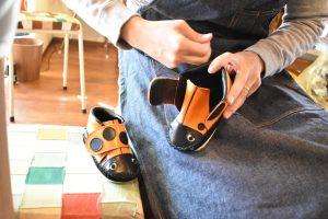 てんとう虫の子ども靴 作業風景