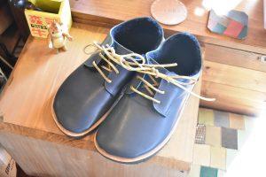暖かボアのふくろ縫いひも靴 ネイビー