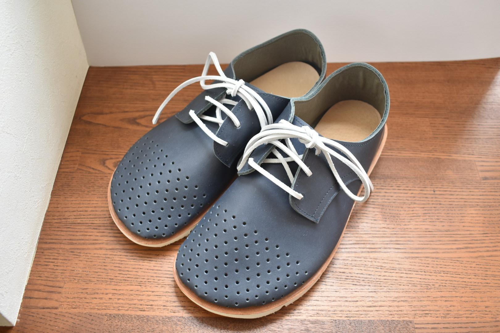 穴あきドット ふくろ縫いのひも靴 (ネイビー・オプションソール)