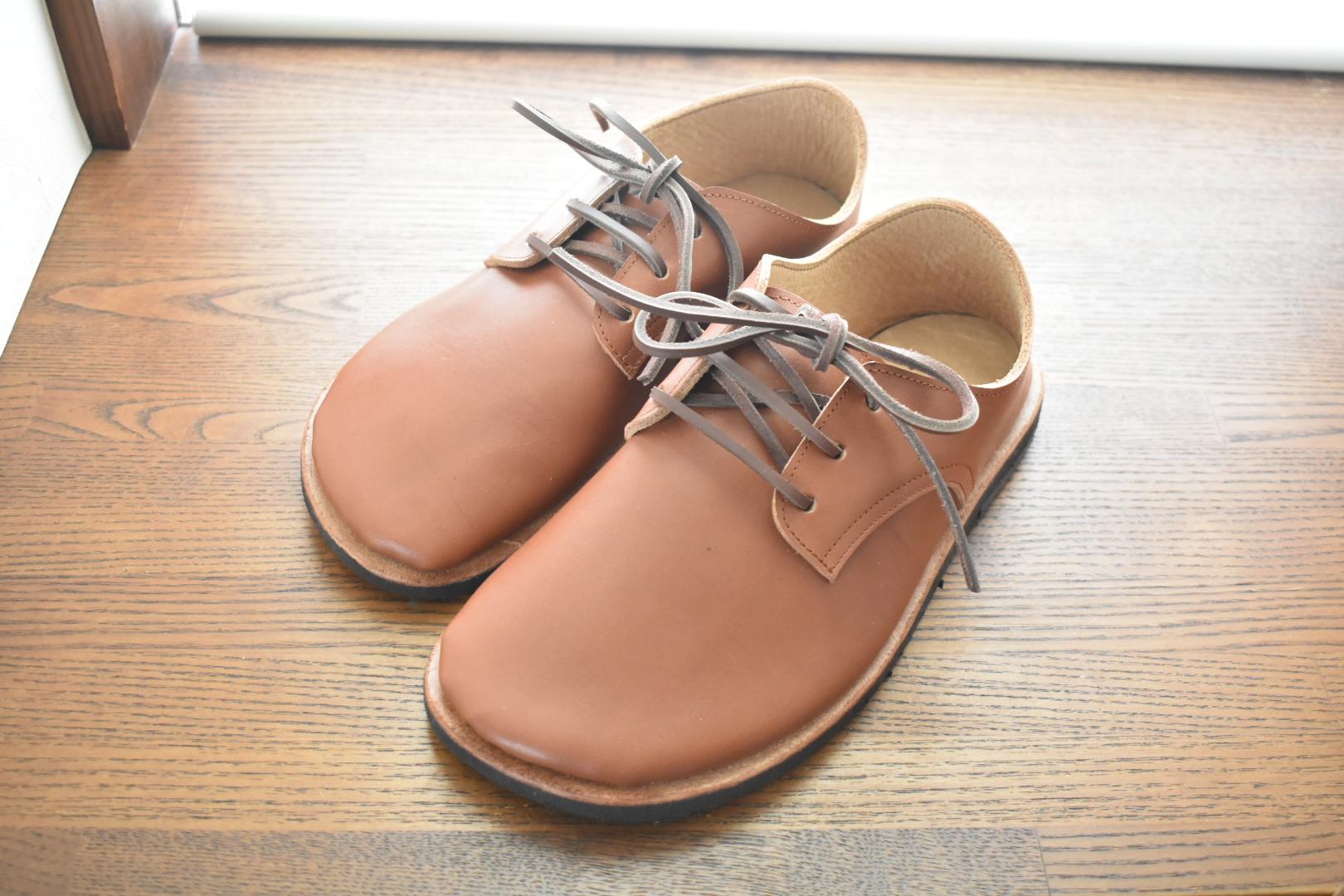 ふくろ縫いのひも靴 くるみ色